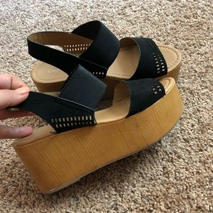 Stretchy Black Platform Sandals